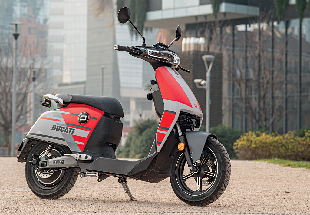 Super Soco CUx Ducati edition tested by Cuore Desmo